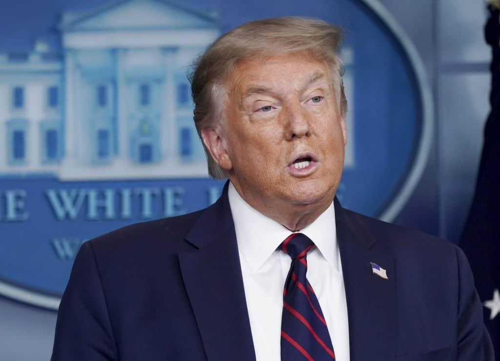 """Trump Warns Coronavirus Will Get Worse""""."""