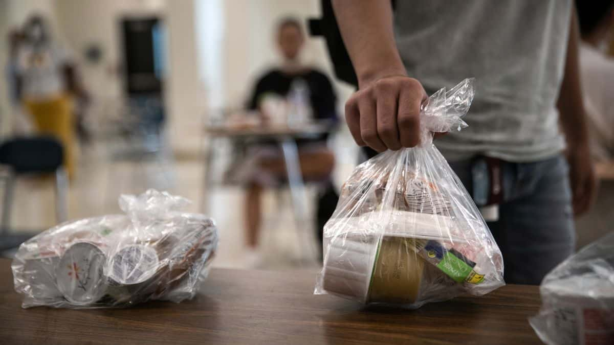 The standstill in food packages has left the people hungry