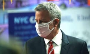 New-York-Mayor-Asked-Residents-To-Wear-Two-Masks
