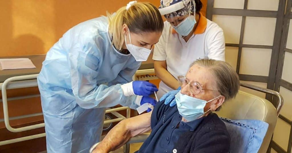 Outdoor Nursing Home Visitations In-Effect, Even Without Vaccinations
