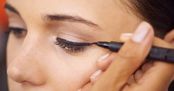 Is It True That Females Absorb Toxins Through Their Cosmetics?