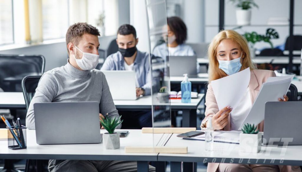 What Is The Risk Of Returning To In-Person Work After Getting Vaccinated? Expert's Opinion On The Matter