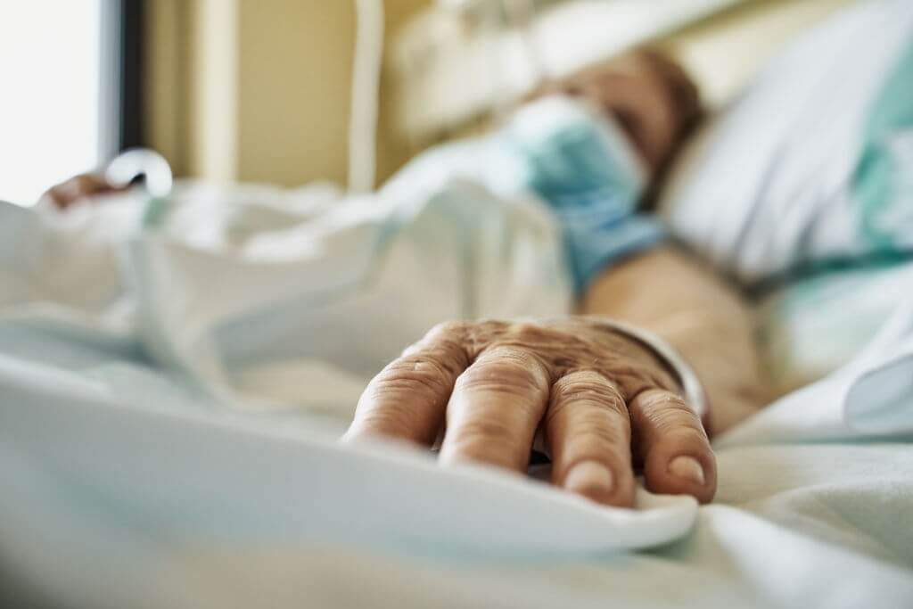 Even on their deathbeds, patients deny the existence of COVID