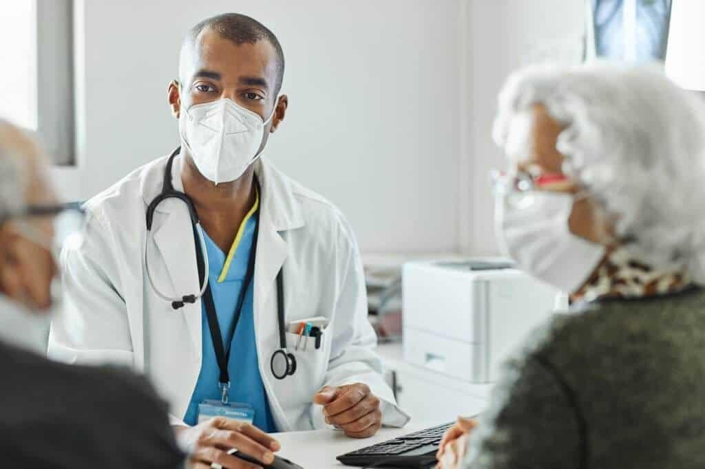 نشان داده شده است که آنتی بادی استرازنکا در درمان کوکتل کووید موثر است